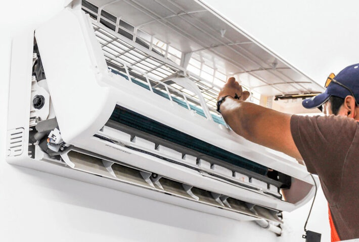 Signs Your Air Conditioner May Be in a Deep Trouble