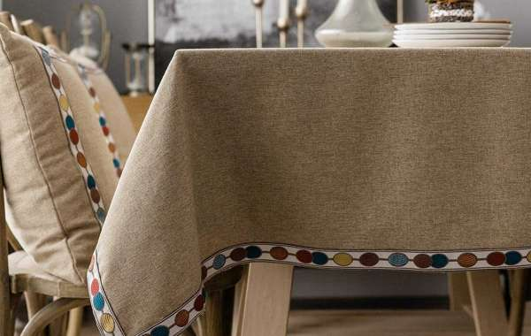 3 Steps to Make a Beautiful Tablecloth for Your Dining Table